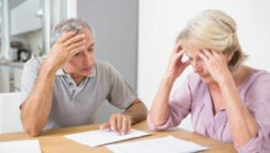Emekli çalışan aylığını kestirsin mi