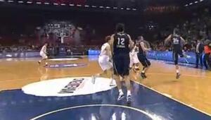 Planinicin mucize basketiyle Efes galibiyete uzandı
