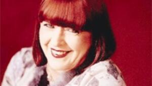 Defile analizcisi Sue Evans