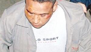 Bahtsız hırsız, eski boksörün evine girdi