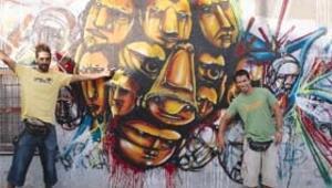 Portekizli Ram ve Mar çanta boyamak için geliyor