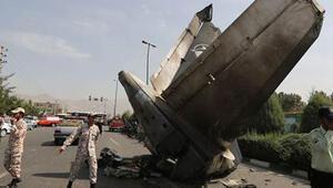 İranda yolcu uçağı düştü: 38 ölü