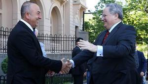 Yunanistan Dışişleri Bakanı: Davutoğlu ve Çiprasın kimyaları uyuyor