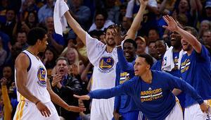 Warriors son saniyede güldü
