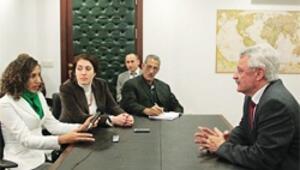 Bülent Tanık Kübalı gazetecileri ağırladı