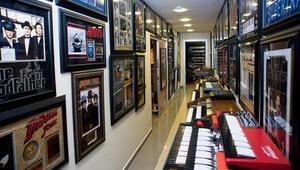 İşadamı Şükrü Demirayaktan Müzik Müzesi