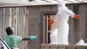 Ebola yakıyor