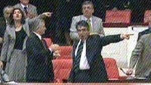 Mecliste muhtıra gerginliği