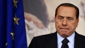 Berlusconinin en geç Pazartesi günü istifası bekleniyor