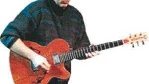 Gitar virtüözleri İzmir'de buluşuyor