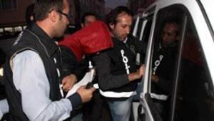 Yüz lira 22 bin lira götüren çeteye suçüstü