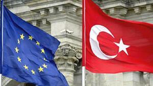 İngiltere'deki Türklere  iki haber