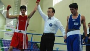 Ringde Fenerbahçenin yumruğu şampiyon