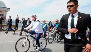 Cumhurbaşkanı Erdoğan bisiklet turuna katıldı