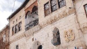 Sinasos Otel'deki bebek müzesi