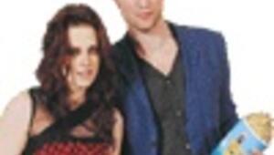 MTV Movie Awards swept by vampire drama 'Twilight'