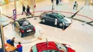 Alışveriş merkezleri satış için kampanyalara yüklendi