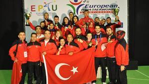 Paralimpik sporculardan büyük başarı