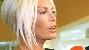 Minik Zeynep Süperstar'ı ağlattı