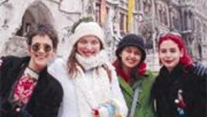 Berlin'de 4 Türk kızı