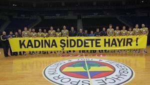 Fenerbahçe Ülkerden Kadına şiddete hayır pankartı