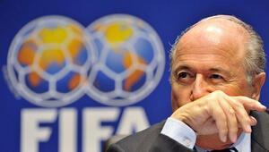 Blatter Ronaldo için değil Messi için pişman