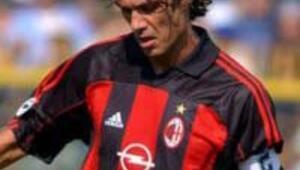 Milanın efsane futbolcusu Maldini futbolu bırakıyor