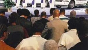 Fiat, kriz zirvesi topladı, Başpiskopos 'destek şart' dedi