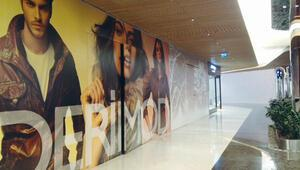 Zorlu Center'da Derimod ve Aldo mağazalarını işgal etti