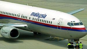 Kaybolan Malezya uçağı yolcularının hesaplarından para çekildiği iddiası