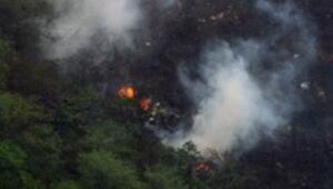Pakistanda yolcu uçağı düştü: 152 ölü