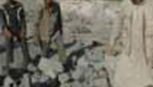 İsrail bir köy daha vurdu