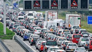 Almanya'da trafik sıkışıklığı rekor kırdı