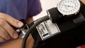 Yüksek tansiyon hastasına ameliyatlı tedavi