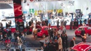 Dünya otomotivi müşteriyi krizde 90 yeni modelle çekecek