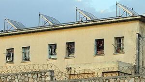 Yunanistanda cezaevleri boşalıyor