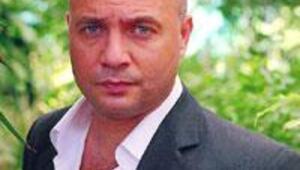 Çakır gazetecilere saldırdı