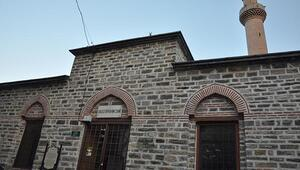 600 yıllık caminin minber kapıları çalındı