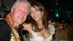 Clinton karısı yan odadayken seks yapmış