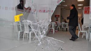 Altınok'un bürosuna 'pompalı' saldırı