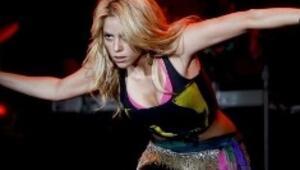 Shakira geliyor