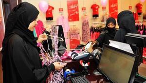 Suudi Arabistanda bir adam helal seks shop açmak için kolları sıvadı