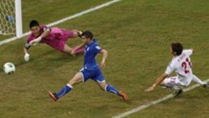 İtalya 4 - 3 Japonya