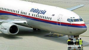 Bulunan enkaz kayıp Malezya uçağına ait iddiası