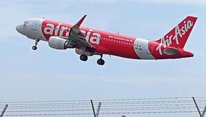 Malezya uçağı yarı yolda kayboldu