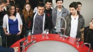Genç mühendisler eğitim şantiyesinde