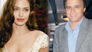 Angelina için davet verecek