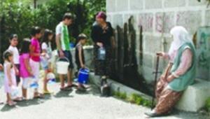 Köy mahalle olunca kuyu suyunu sattı