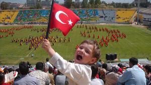 24 Nisan 2015te okullar tatil mi Kimlere tatil olacak