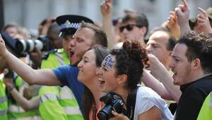 Sisinin İngiltereye daveti protesto edildi
